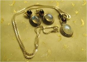 garnet and moonstones