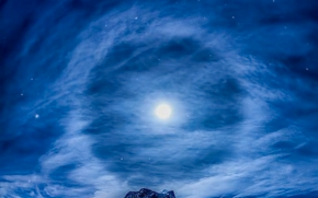 Full Moon in Pisces ~ Touch theMoon